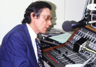 Photo: Álvaro Ínsua at work in Miami (Image: Martí Noticias, undated)